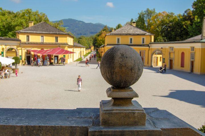 Schloss Hellbrunn, extérieur ⎜ Hellbrunn Palace, outside